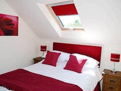 Double bedroom | Greetham Retreat - Laura's Loft, Lincolnshire Wolds, nr. Horncastle