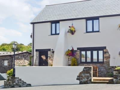 Pencrennow Farm Cottages - Swallow Cottage