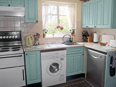 Well-equipped kitchen | Dunsa Lodge, Dunsa Lodge, Dalton near Richmond