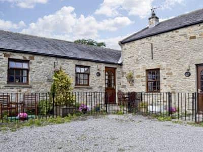Exterior | Corner Cottage, Harmby near Leyburn