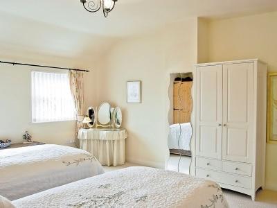 Twin bedroom | Nurse Cherry's Cottage, Reeth