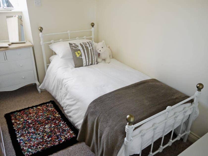 Single bedroom | Waterside, Warkworth