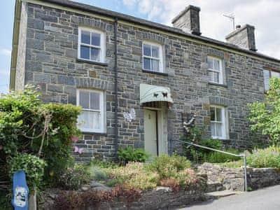 Delightful end of terrace holiday cottage | Gwesty Pili Pala (Butterfly Hotel) - Pentre Bach, Blaenpennal, Aberystwyth