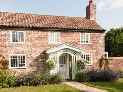 Exterior | Kirkburn Cottages - Acorn Cottage, Kirkburn, nr. Driffield