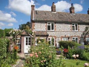 Turner Cottages - Primrose Cottage
