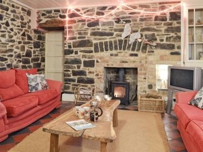 Living room | Pentre Bach - Gwesty Pili Pala (Butterfly Hotel), Blaenpennal, Aberystwyth