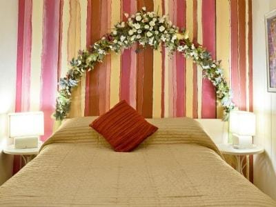 Double bedroom | Pentre Bach - Gwesty Pili Pala (Butterfly Hotel), Blaenpennal, Aberystwyth