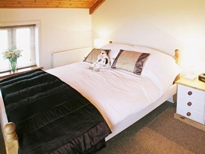 Double bedroom | Parc Y Bryn Lodge, Ferryside