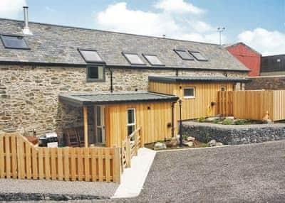 Stable Barn, Peniarth Bach Farm, Betws-Yn-Rhos, Conwy