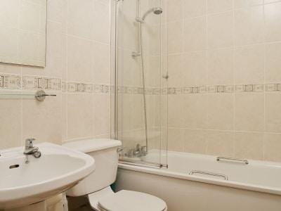 Bathroom | Flat 4, Lonsdale House, Keswick