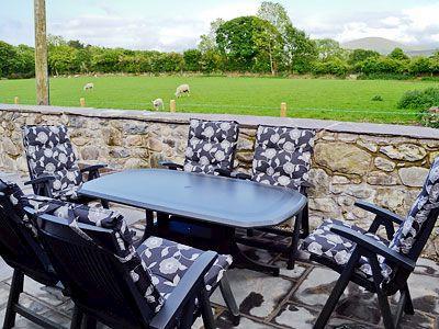 Sitting-out-area | Gadlas, Bontnewydd, nr. Caernarfon