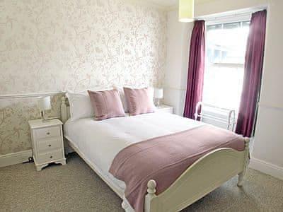 Double bedroom | The Burrow, Windermere
