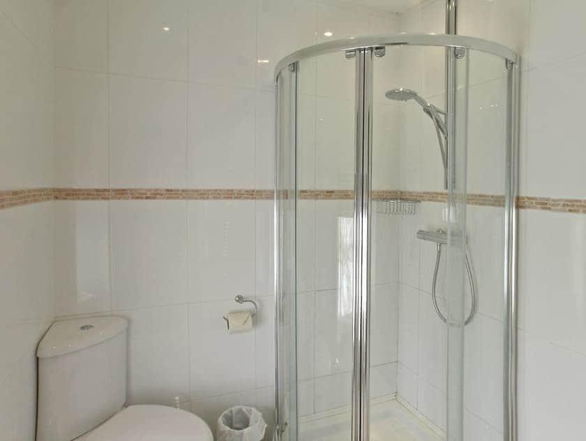 Shower room | Bridge House, Helmsley