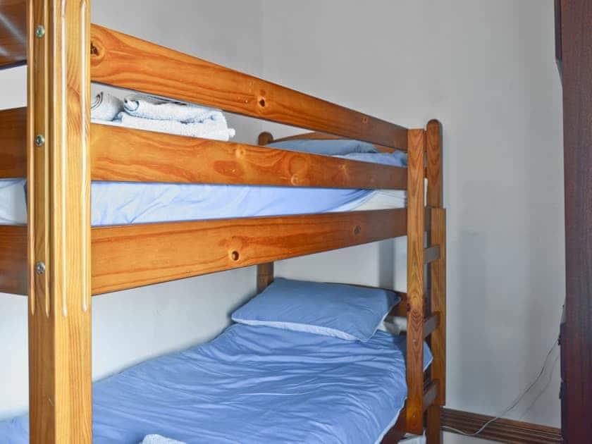 Twin bedroom   Gwenallt, Llithfaen, Pwllheli