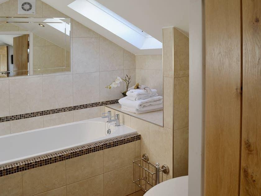 En-suite | Cherry Blossom Cottage, Kettlesing near Harrogate