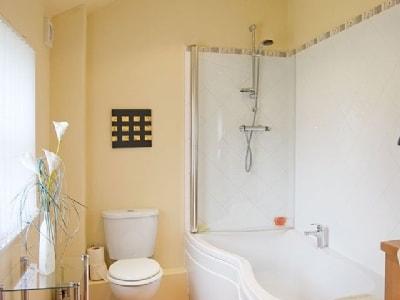 Bathroom | Nurse Cherry's Cottage, Reeth