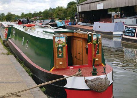 Canal Narrowboats sleeping 2-4 persons