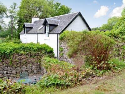 Exterior & garden | Woodbine Cottage, Fort Augustus, Loch Ness