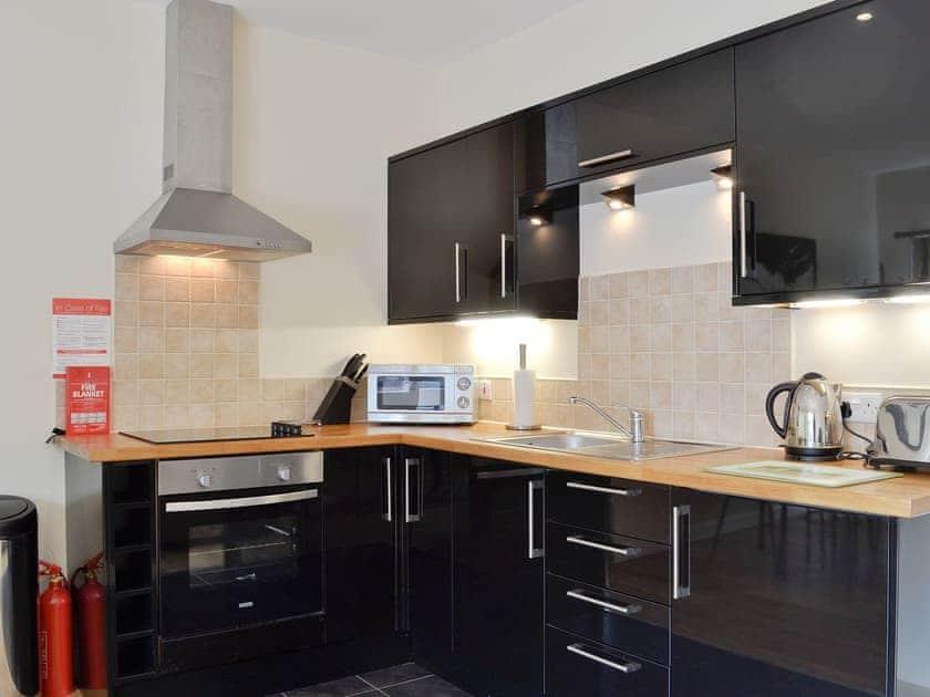Kitchen/diner | Auchendennan - Courtyard Studio, Arden, Alexandria