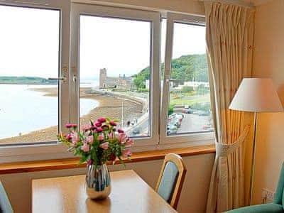 Dining Area | Esplanade Court - Apartment, Oban, Argyll