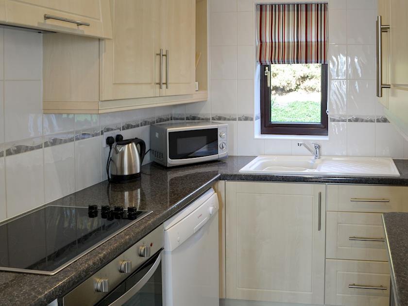 Well equipped kitchen | Villa 55, Cromer