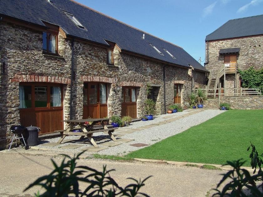 Wheeldon Farm Cottages - Monkshood