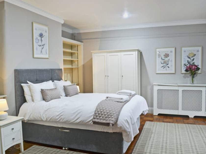 Beautifully presented double bedroom | The Garden Room - Bridge House Cottages, Corbridge, near Hexham