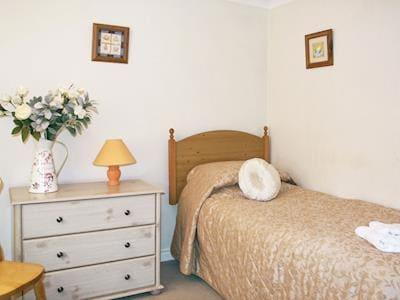 Twin bedroom | No. 7 Bennett, Claxton Grange Cottages near York