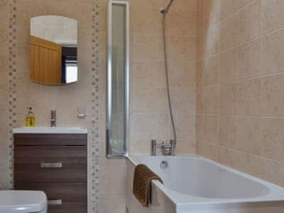 Bathroom | Bwlch Y Person Barns - Beudy, Dihewyd, nr. Aberaeron