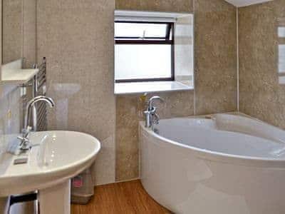 Bathroom | The Barnhouse, Hawes