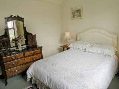 Double bedroom   The Gardens, Skipton