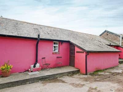 Exterior | Werngochlyn Farm - Cowshed, Llantilio Pertholey, nr. Abergavenny