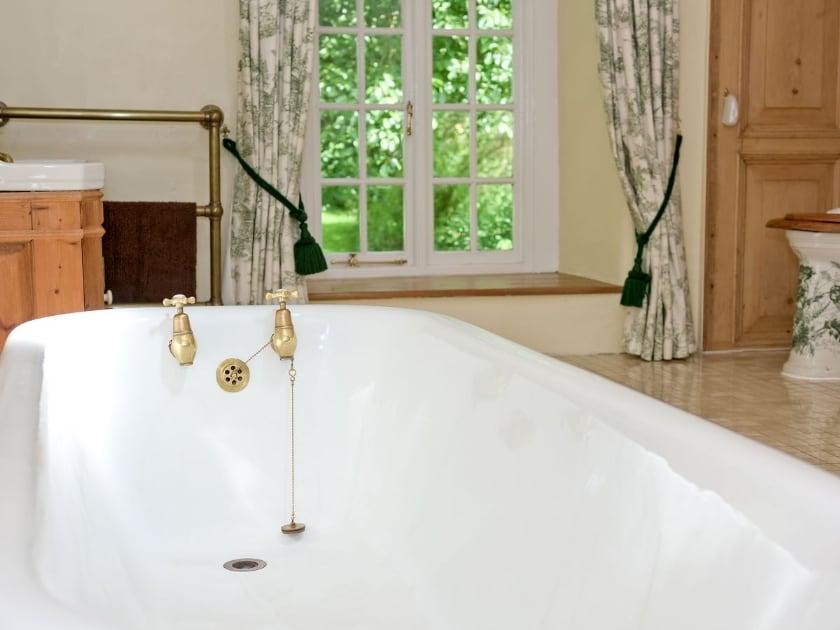 Bathroom | Prior Hall Cottage, Malham
