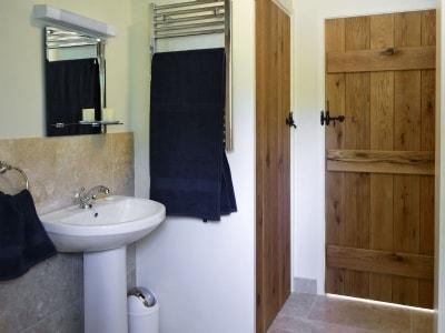 Bathroom | Cider Cottage, Etchingham