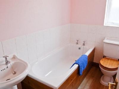 Bathroom | Weaver's Cottage, Pateley Bridge