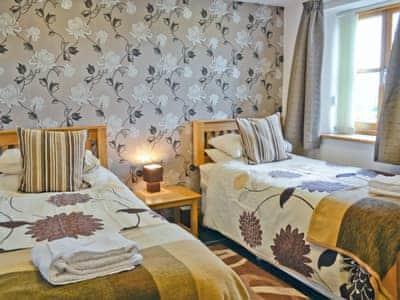 Twin bedroom | Bwthyn Derwen, Ystrad Meurig