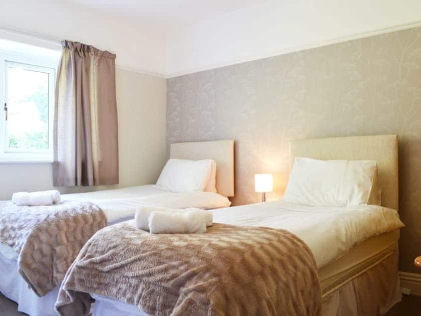 Spacious twin bedroom | Corner Cottage, Troutbeck Bridge, near Windermere