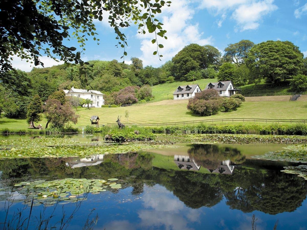 Rosecraddoc Manor - Lake View Cottage