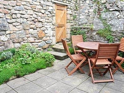 Patio   Mount Cottages - Hobbits, Marazion, Penzance