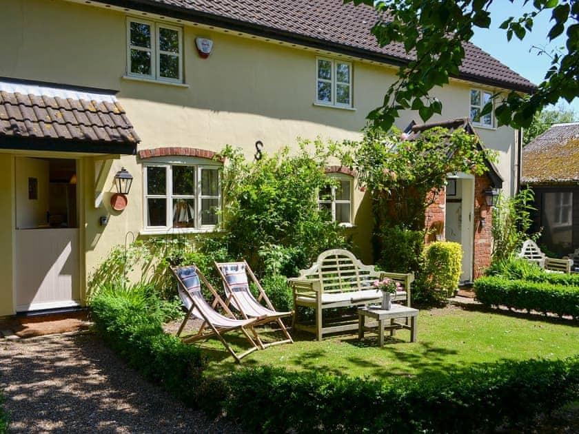 Upper Langdales Farmhouse - Harness Cottage