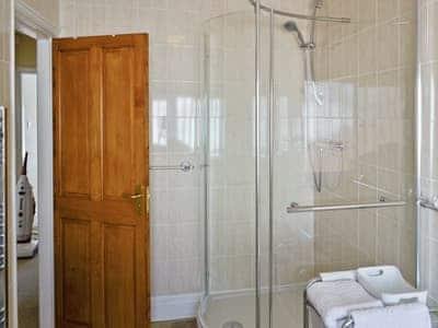 Family bathroom with separate shower cubicle | Anrose House, Penrhyn Bay, Llandudno