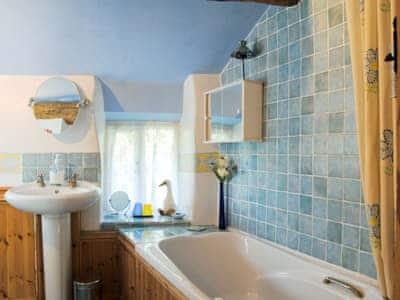 Bathroom | Annies Cottage, Llanrhaeadr-ym-Mochnant