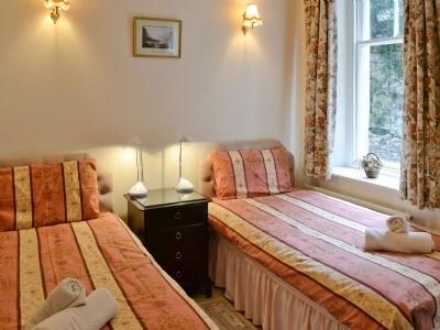 Twin bedroom |  Hazelwood Court - Ruskin, Grange-over-Sands