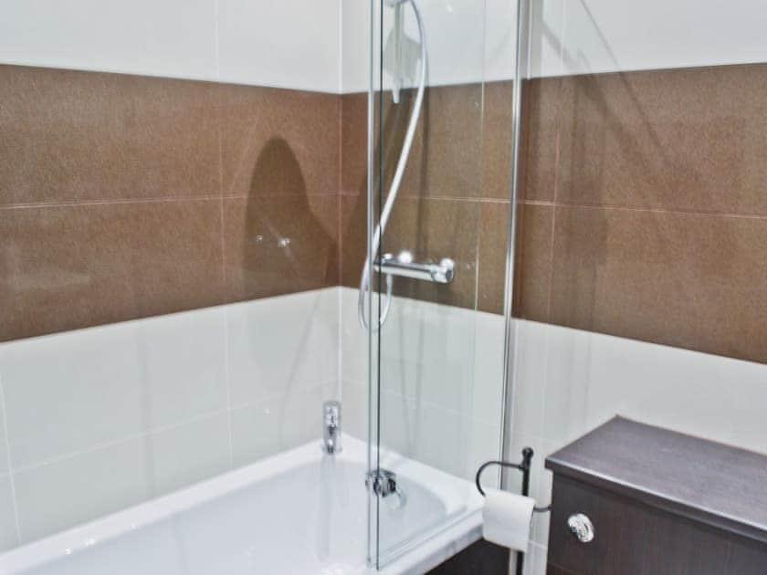 Bathroom | Waterside, Warkworth