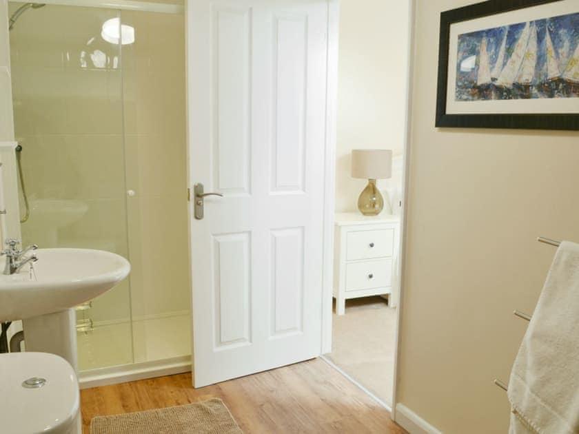 Shower room | Bridge House Cottages - The Stable, Corbridge