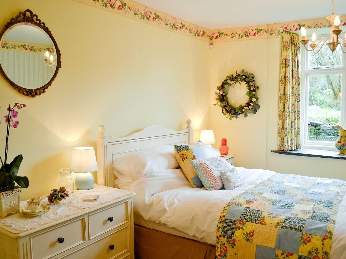 Tavistock Bedroom Furniture Lower Mill Cottage Ref Hst In Peter Tavy Near Tavistock Devon