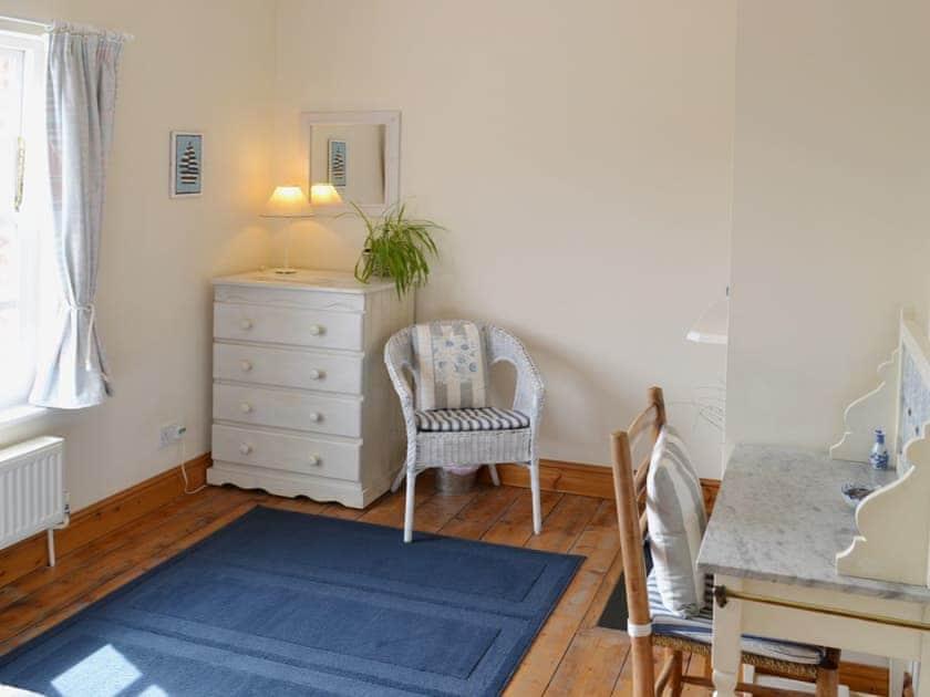 Double bedroom   Coachman's Cottage, West Runton