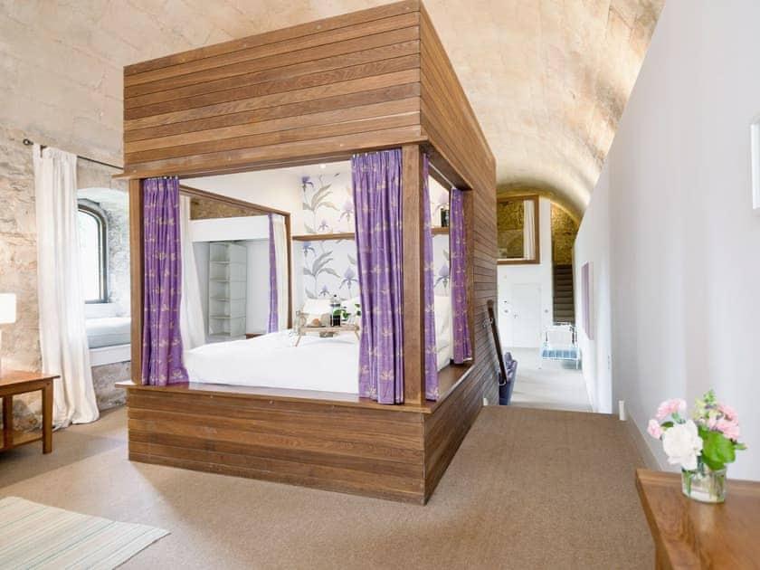 Master bedroom | The Brewery Vaults, Freshford, nr. Bath