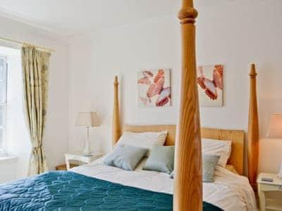 Four Poster bedroom | Meadowsweet, Newburgh, Fife