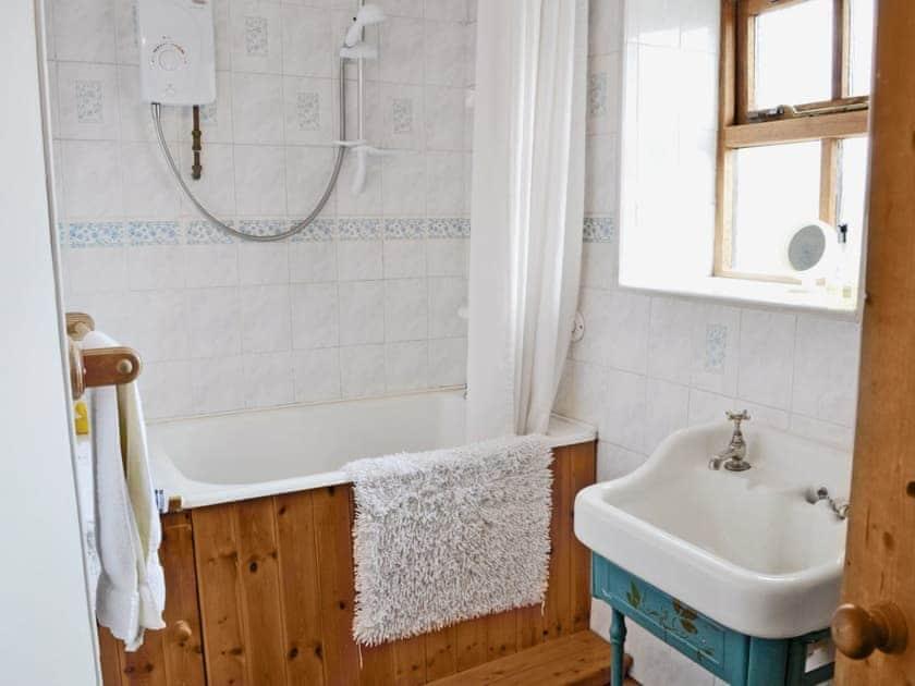 Bathroom | Cruck End, Crackenthorpe, Appleby